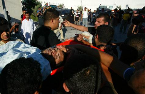 Image: Palestinian pallbearers