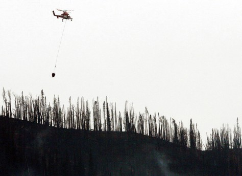 Image: Helicopter with water bucket