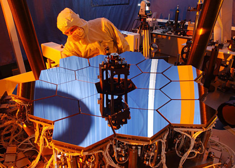 Image: Model of mirrors on the James Webb Space Telescope