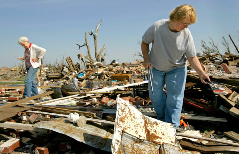 IMAGE: TWISTER DAMAGE IN KANSAS