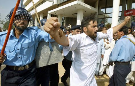 IMAGE: Pakistan protest broken up