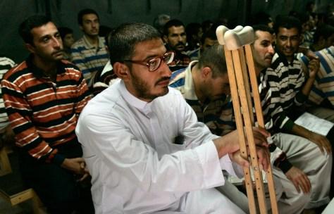 Image: Iraqi detainees