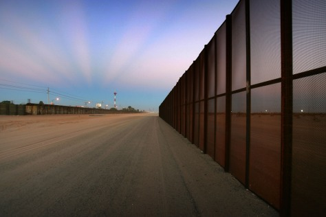 Construction Of Fence Along Mexican Border Picks Up Speed