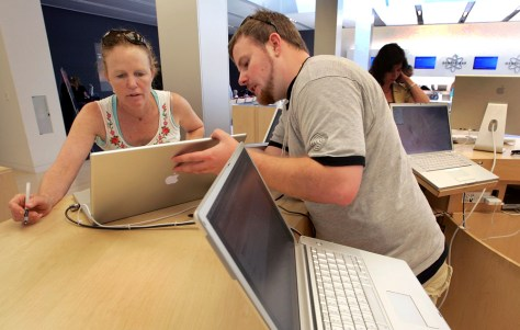 Mac Sales Raise Apple Quarterly Earnings 48 Percent