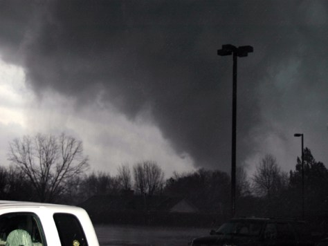 Image: FUNNEL CLOUD FROM ARKANSAS TORNADO