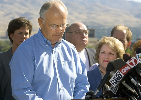 Image: Sen. Larry Craig with his wife Suzanne.