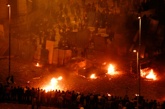 Image: Clashes outside the National Museum in Cairo