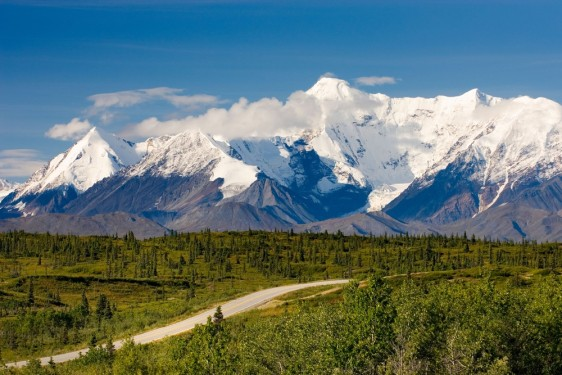 Image: The Richardson Highway in  Alaska