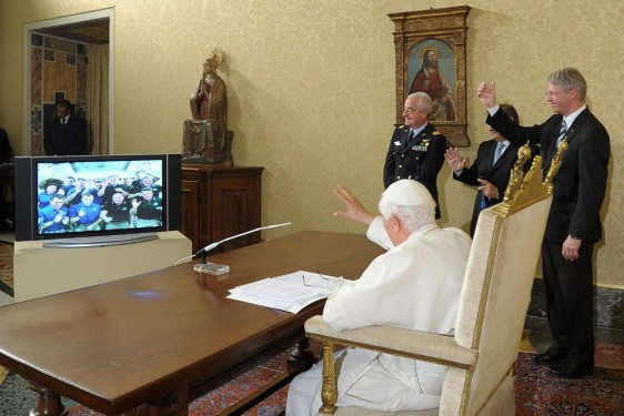 Image: Pope Benedict XVI makes video call to ISS
