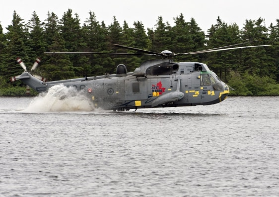 Image: Canadian Forces helicopter with British Prince William on board