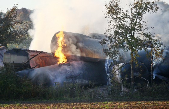 Image: Train derailment causes fire and evacuation