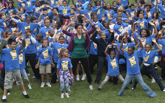 Image: Michelle Obama lead jumping jacks