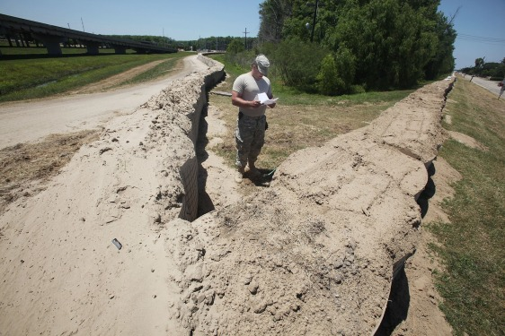 Image: Levee inspection in Louisiana