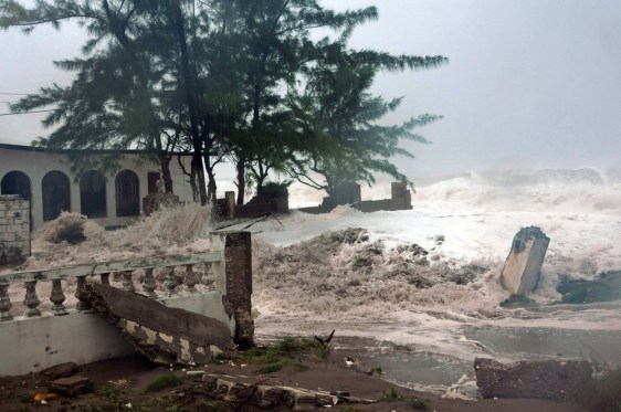 Image: Waves hit house in Jamaica