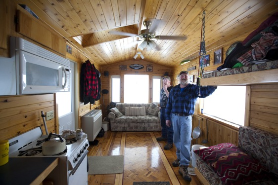Ice fishing goes upscale in mille lacs minn travel for Fish house rentals mn