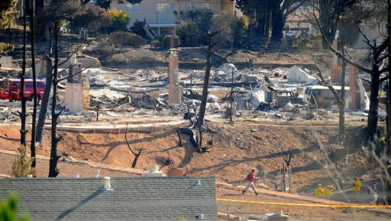 Image: Destruction in San Bruno suburb