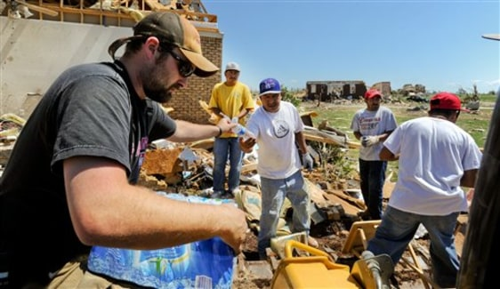 Image: Volunteers helping east of Athens, Ala.