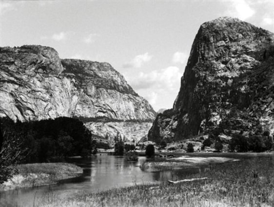 Image: Hetch Hetchy Valley before 1913