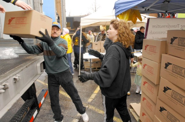 Iamge: Food distribution in Elkhart, Ind.