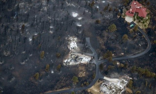 Image: Destroyed, saved homes near Boulder