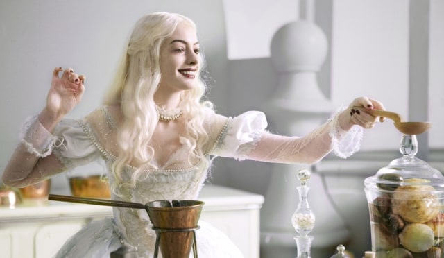 "Image: Anne Hathaway in ""Alice in Wonderland"""