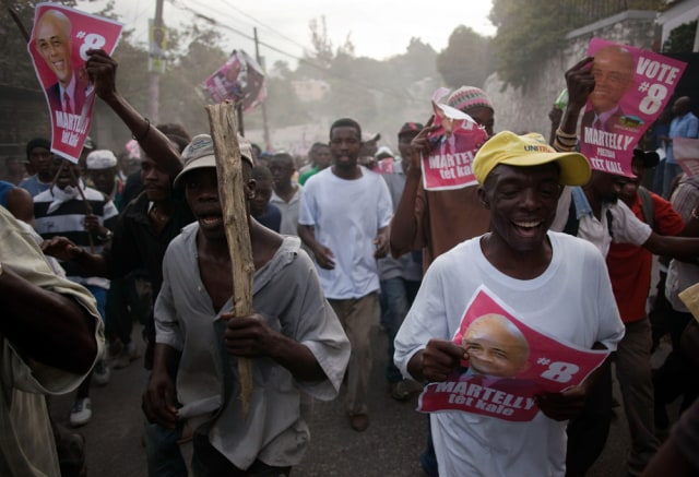 Image: Haitians protest election results