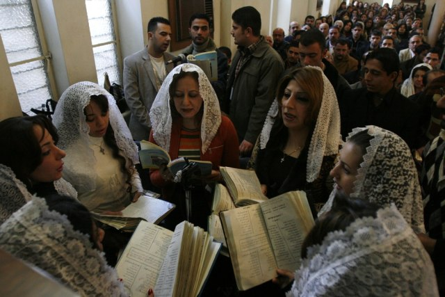 Image: Iraqi Christians celebrate Christmas in 2007
