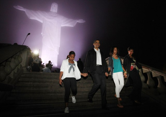 Image: Obama family in Brazil