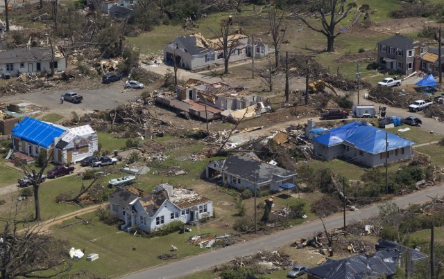 Image: Destroyed homes in Tuscaloosa