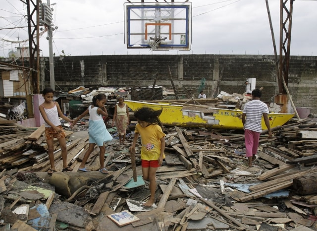 Image: Typhoon damage in Navotas, Philippines
