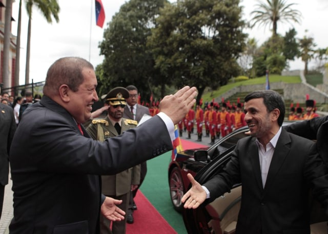 Image: Hugo Chavez meets with Mahmoud Ahmadinejad