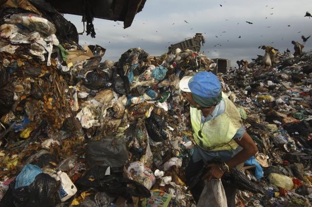 Image: Garbage Dump Jardim Gramacho Closes Down