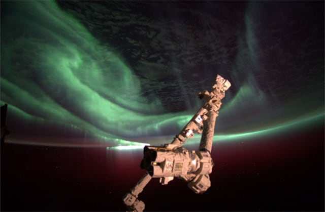 Aurora of earth seen from ISS