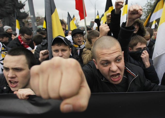Image: Russian nationalists at rally in Moscow