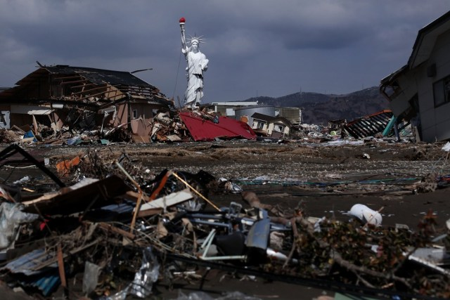 Image: Japan Struggles To Deal With Nuclear Crisis And Tsunami Aftermath