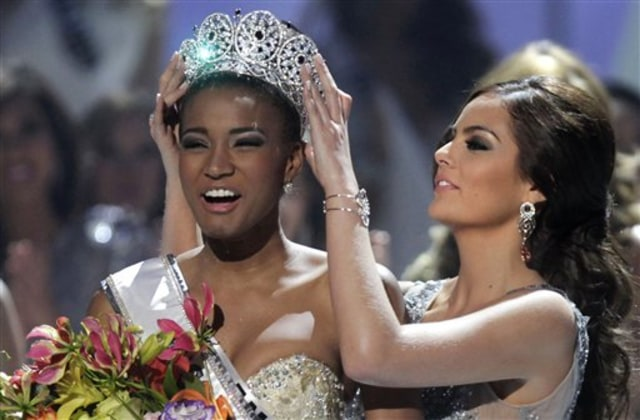 Image: Miss Angola Leila Lopes is crowned Miss Universe 2011 on Monday