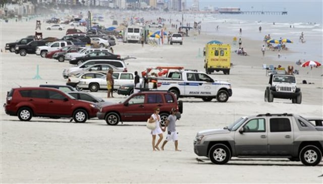 Image: Cars on Florida beach