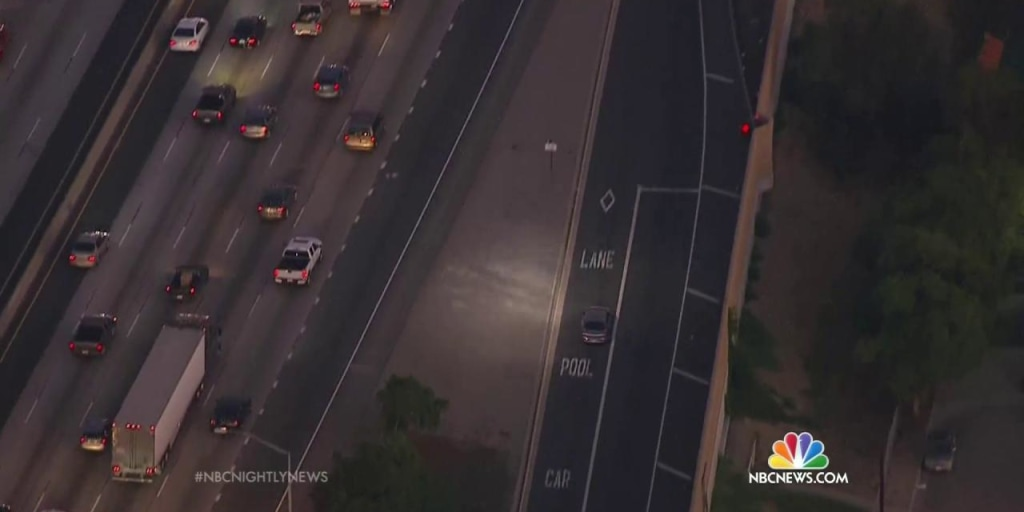 Wild and Dangerous Car Chase in Los Angeles Caught on Camera