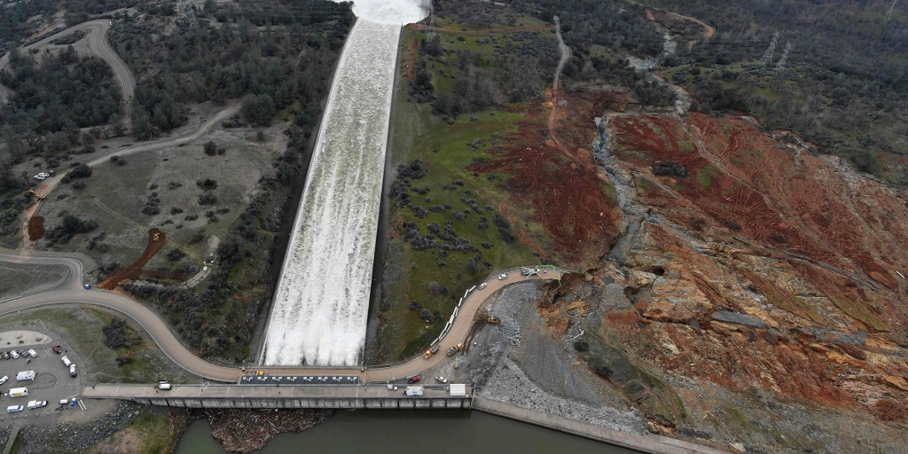 California Residents Allowed to Return Home After Dam Spurs