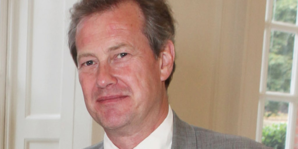 British Royal Family S First Gay Wedding Lord Mountbatten To Marry James Coyle