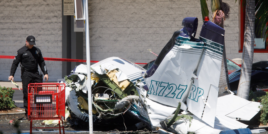 Small plane crashes in parking lot near Staples in Orange County