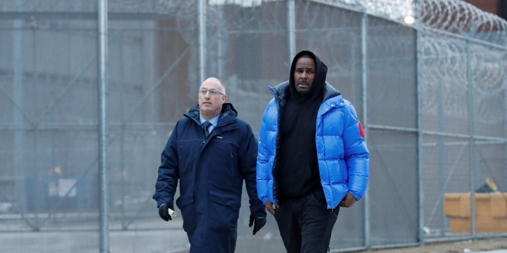 R  Kelly posted bond, released from jail after pleading not guilty