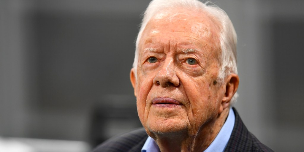 Jimmy Carter recovering from fractured pelvis after fall