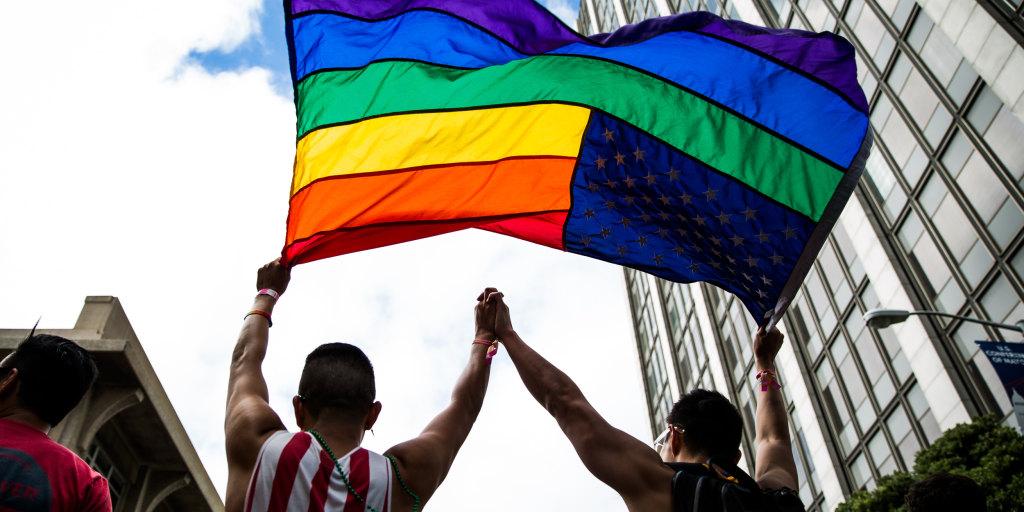 Older chat gay Gay Dating