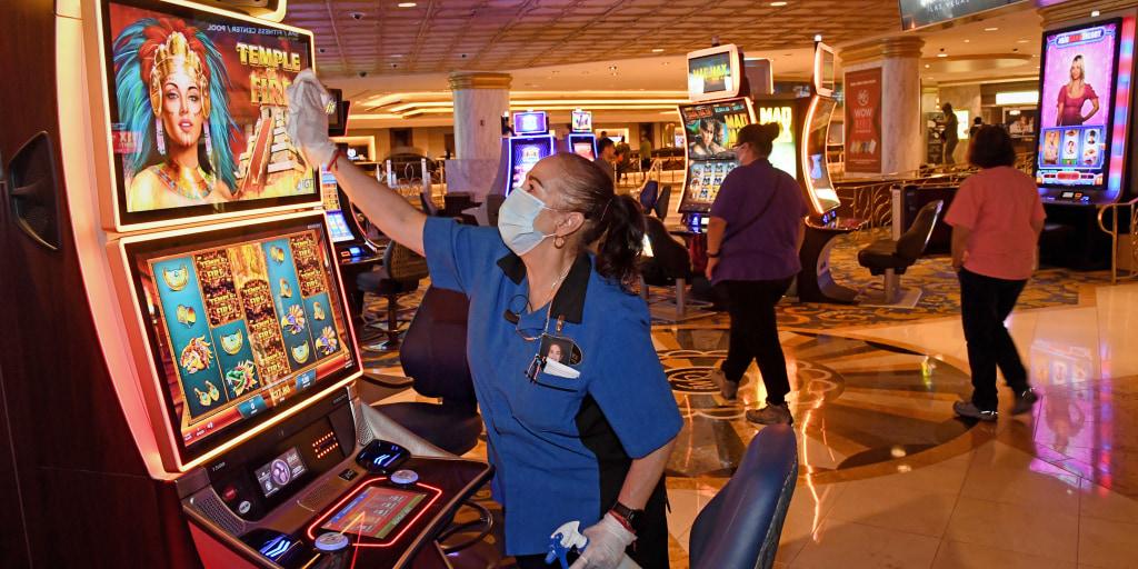 do casinos take change