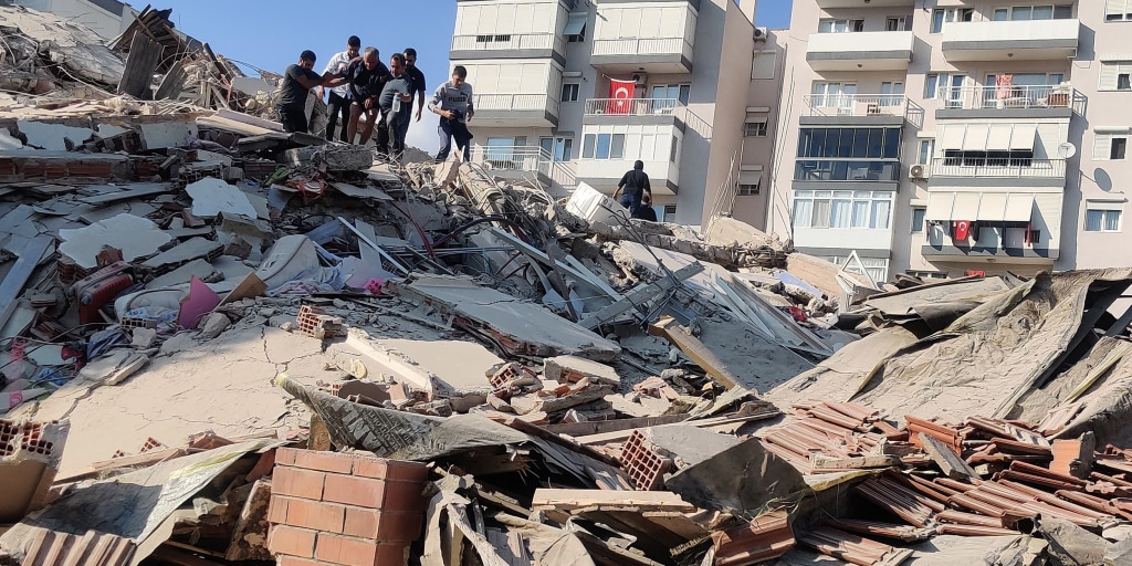 Strong earthquake hits Turkey and Greece