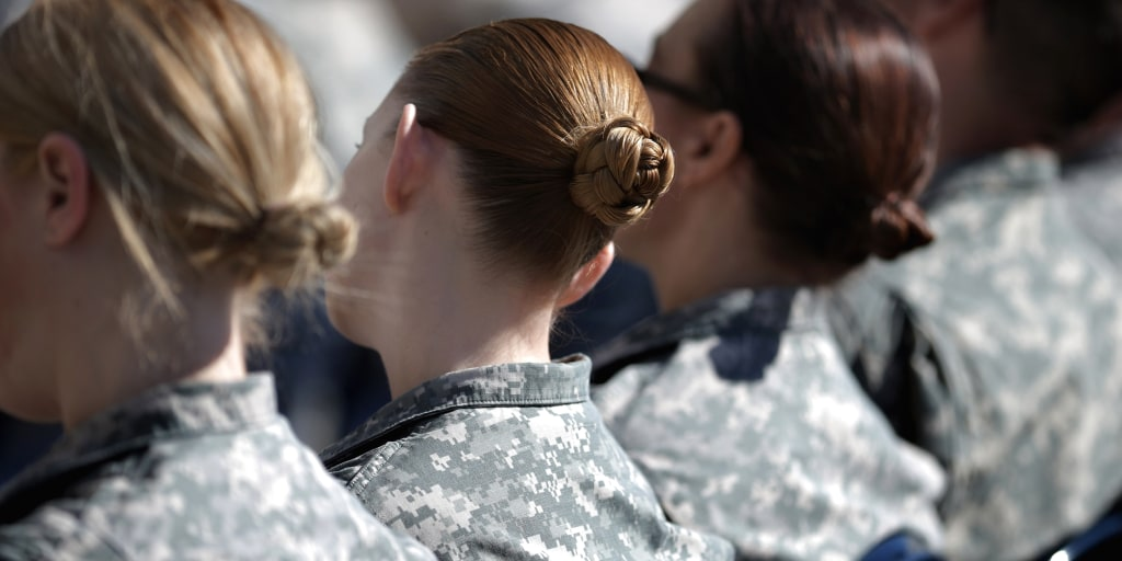 Pics military women Most Impressive
