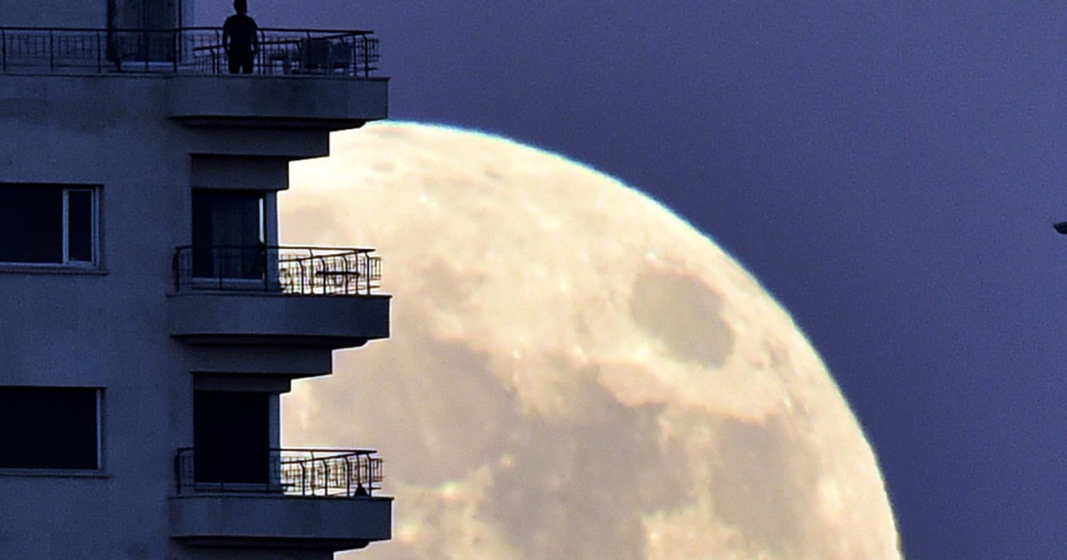 what time can we see the supermoon tonight