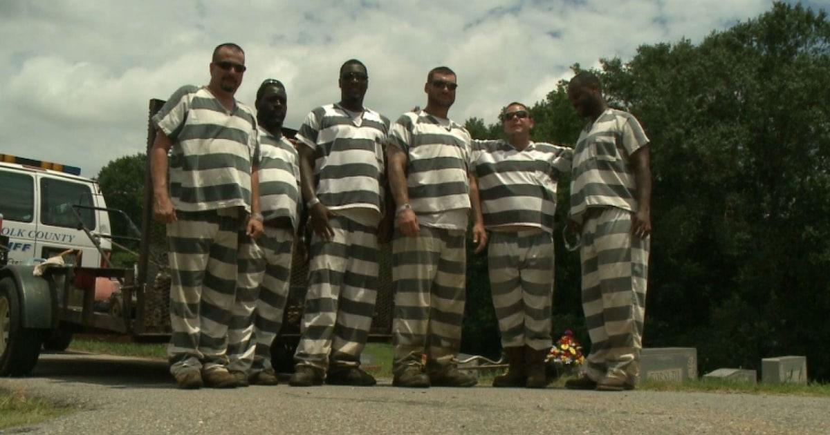 Georgia inmates save prison guard