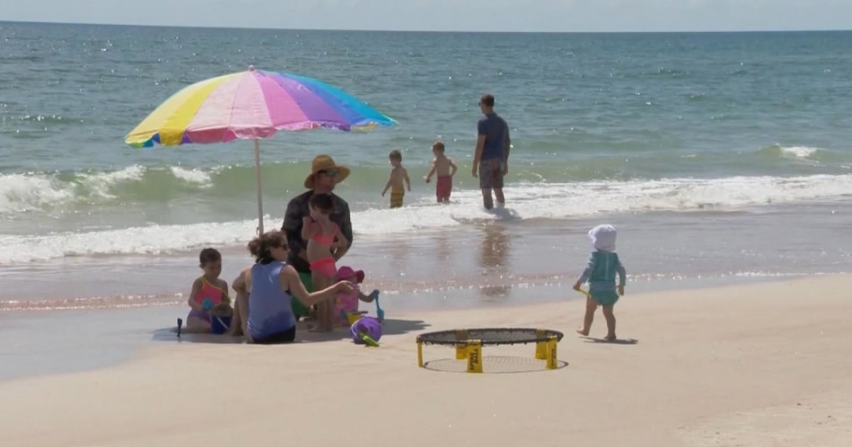 Thousands stung by jellyfish at Florida beaches